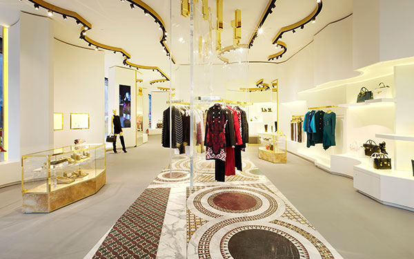 Nieuw Versace - Architectural services, interior construction and store IY-27